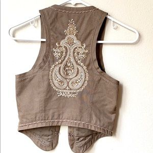 Guess embroidered brown cropped vest